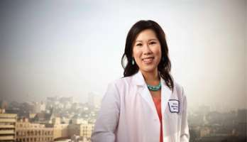 Because location was the most important factor in her job search, Lisa Chui, M.D., began networking with physicians in the area during residency. Being assertive worked—she landed a job at Kaiser Permanente San Francisco.